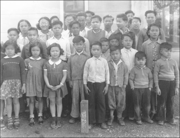 Students of the only all-Chinese school in Bolivar County, Mississippi, 1938. Courtesy Mississippi Department of Archives and History (photo taken from http://mshistorynow.mdah.state.ms.us/articles/86/mississippi-chinese-an-ethnic-people-in-a-biracial-society)